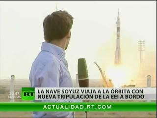 La nave espacial Soyuz despega hacia la EEI con tres tripulantes a bordo