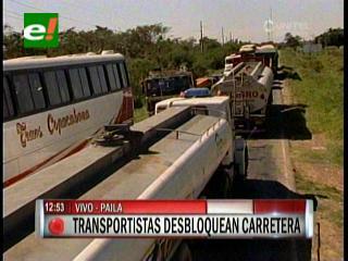 Transportistas levantan bloqueo en la ruta a Beni