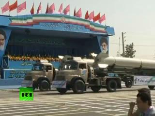 Irán exhibe su nuevo sistema de defensa antiaérea en un desfile militar