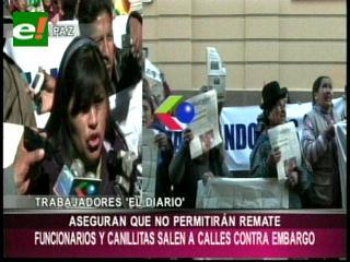 Vendedores de periódicos y trabajadores de El Diario marchan en contra del SIN