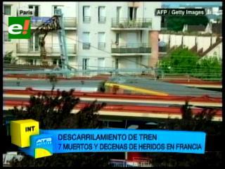 Tren con 370 pasajeros se descarrila en París, hay siete muertos