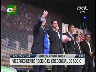 Vicepresidente recibió el credencial de socio de Sport Boys