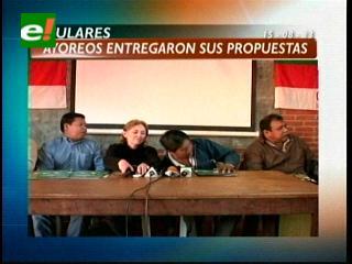 Titulares: Indígenas ayoreos entregaron propuesta para la adecuación de los Estatutos Autonómicos
