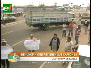 Santa Cruz: Transportistas bloquean el ingreso al recinto aduanero de ALBO