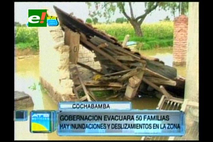 Deslizamiento en Arque afecta a 36 familias y 10 viviendas caen