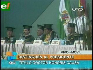 Udabol distingue a Evo con el título de Doctor Honoris Causa