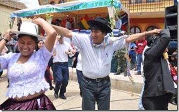 Evo-Morales-insiste-con-las-coplas-machistas