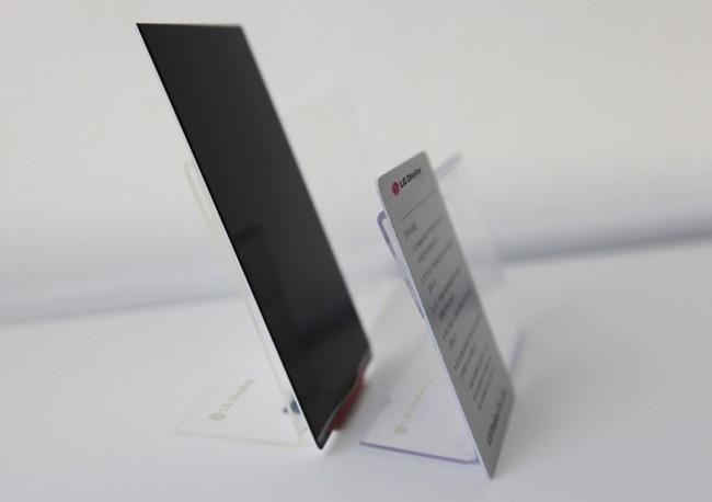 LG presenta la pantalla Full HD más fina del mundo.