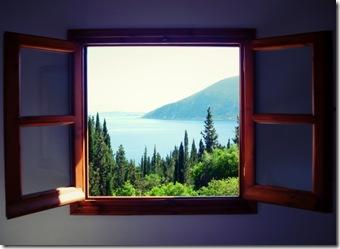 ventana-que-aísla-el-ruido-1-800x584