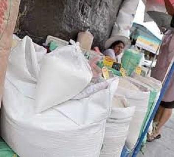 Cañeros advierten riesgo de zafra 2014 por bajos precios del azúcar