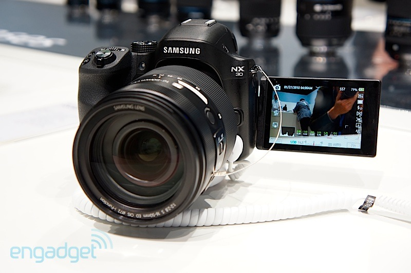 Samsung NX30 de cerca