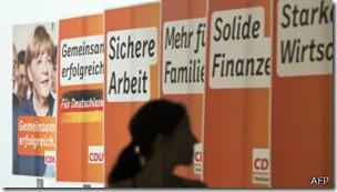 Angela Merkel fue reelegida pero tuvo que formar una coalición con los social demócratas.