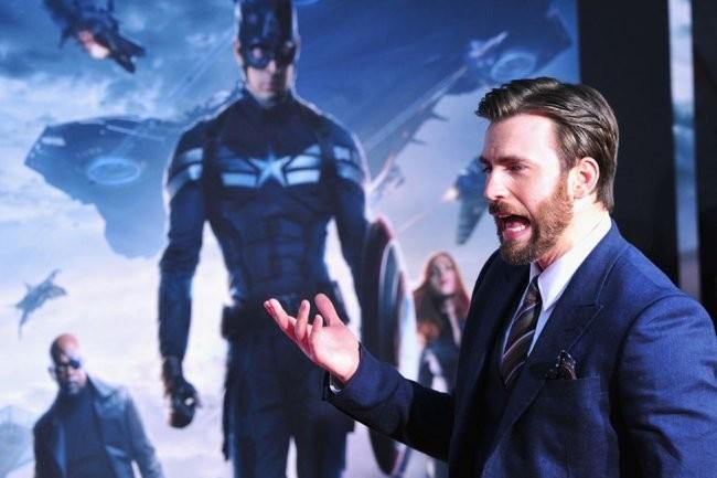 Chris Evans en el estreno de Capitán América 2