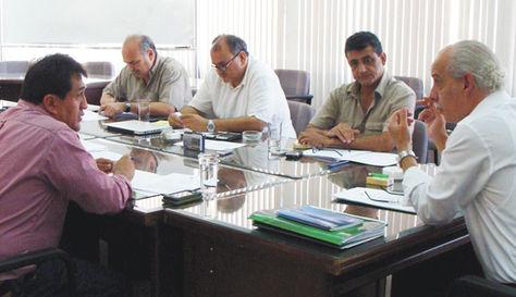 Dirigencia. Alberto Lozada (al costado izquierdo) en la más reciente reunión del Comité Ejecutivo de la FBF, realizada la pasada semana.
