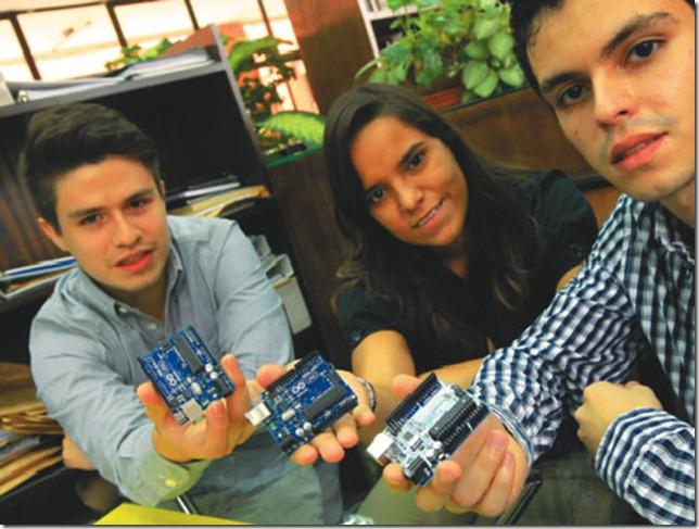 El uso de softwares y hardwares libres es indispensable para el desarrollo tecnológico. Foto Agapito Paco