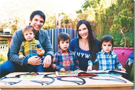 Jorge Daza, su esposa Debora y sus tres hijos