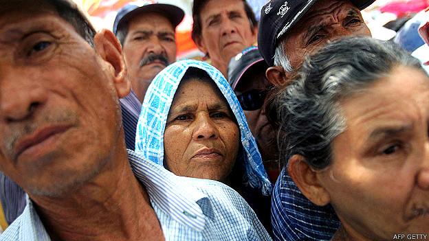 Personas de tercera edad protestan por mejores pensiones en Nicaragua