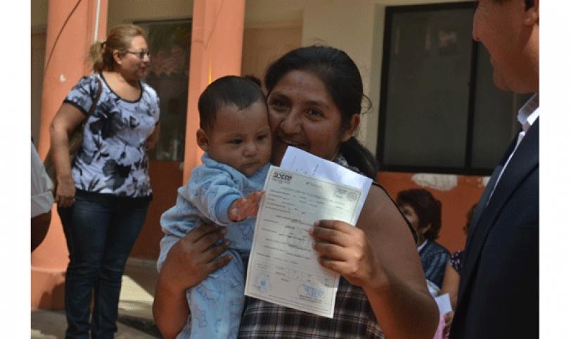 La primera entrega que se realizó ayer en la maternidad benefició a un número de 15 niños.