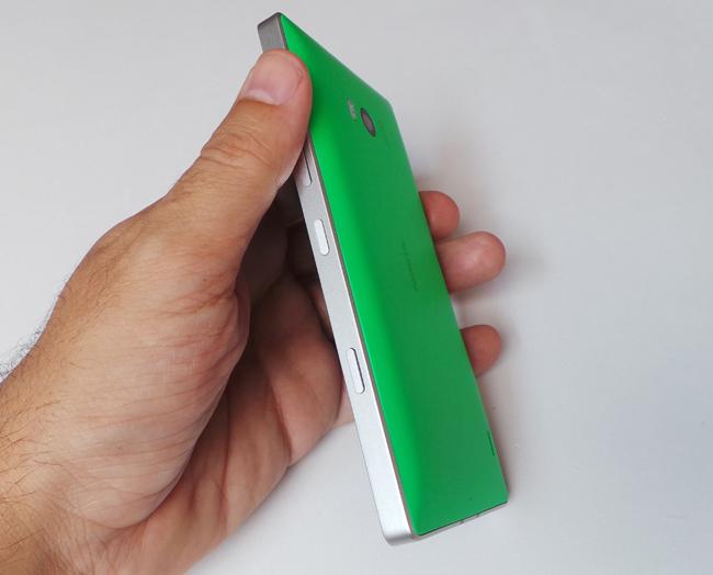 Teléfono Nokia Lumia 930