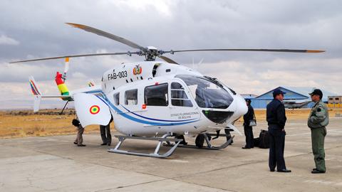 Gobierno-entrego-al-Ejercito-seis-helicopteros-