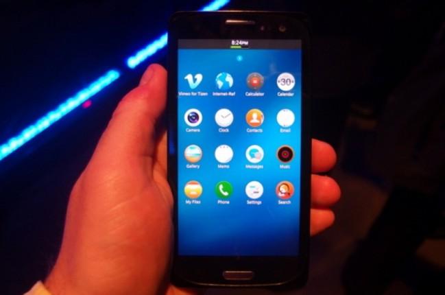 tizen smartphone e1405341331506 Una vez más se retrasa el primer smartphone de Samsung con Tizen