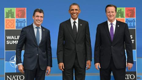 Anders Fogh Rasmussen, David Cameron y Barack Obama