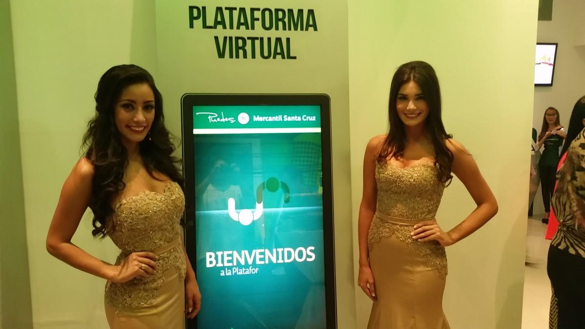 Azafatas: Claudia Tavel,  Daniela Zelada