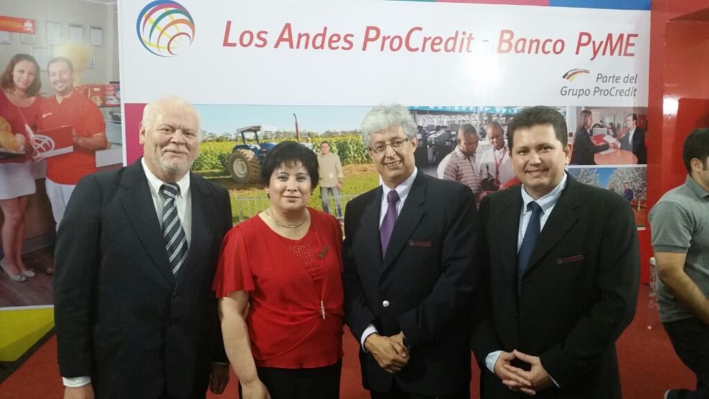 Luis Hernandez (Gerente administrativo), María del Carmen Sarmiento (Gerente Gral), Marco Mariscal (Gerente Comercial), Julio C. Parada ( Gerente Finanzas)