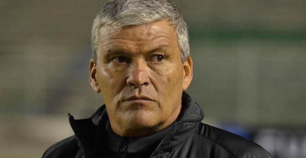Néstor Clausen en la Liga dirigió tres partidos al mando del conjunto Santo, Ganó uno y empato en dos ocasiones.