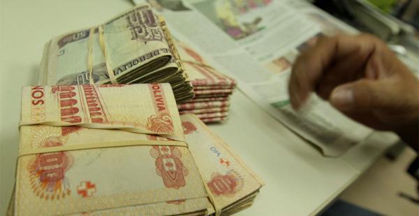 Los trabajadores fabriles plantean un salario mínimo nacional de 2.000 bolivianos y un incremento al sueldo básico del 15%