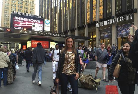 VanessaCanudas | Periodista. El feriado del día del trabajo fue una excelente excusa para Vanessa Canudas de viajar con su hermana Flavia Vaca Díez a Nueva York, cuyo principal motivo de viaje era asistir al concierto de su ídolo Eric Clapton, en el Madi