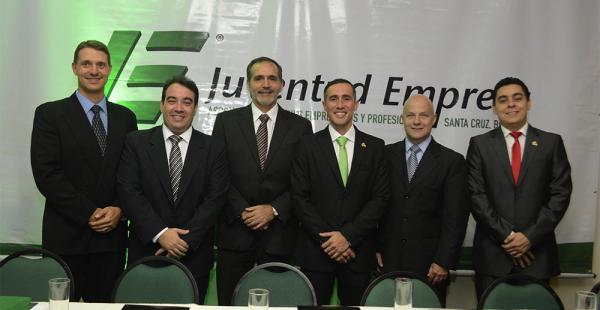 Felices después de la posesión. Martín Wille, Luis Jhonny Quintela, Christian Joffré, Óscar Paz,  Osvaldo Barriga Y Wilfredo Rojo tienen importantes planes para la gestión