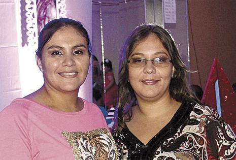 Hermanas de Thalma. Morena Morales  y Wendy Morales