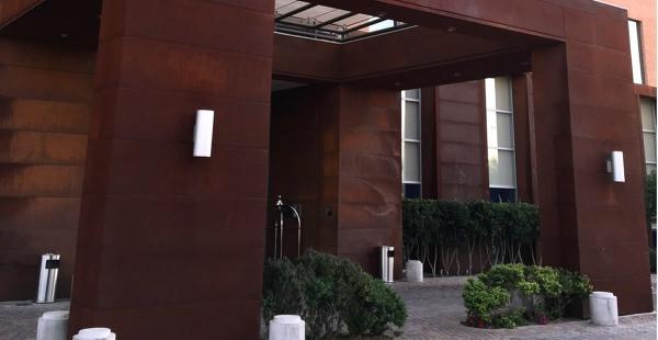 Esta es la fachada del hotel Hilton Garden Inn Airport en Chile donde los futbolistas de la selección boliviana estarán hospedados a partir del 18 de junio