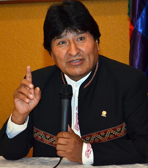 Evo-Morales-:--Periodistas-chilenos-casi-me-golpean-al-salir-del-Palacio-