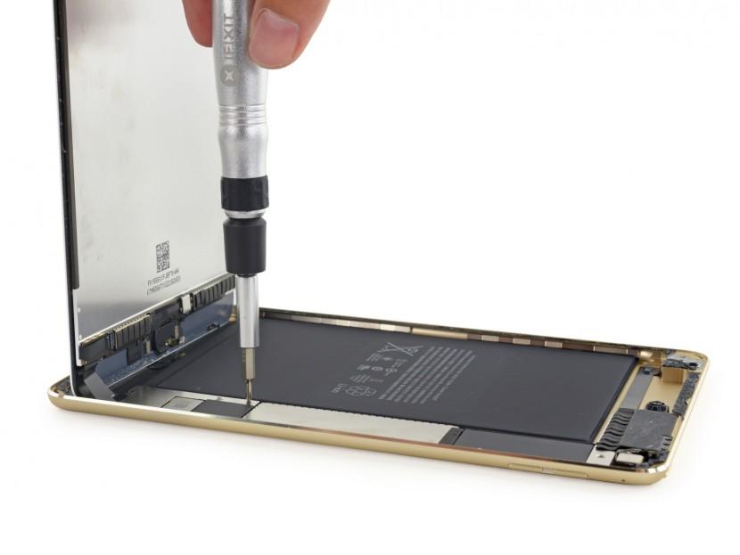 ifixit ipad mini 4 1 830x623 El iPad mini 4 en manos de iFixit