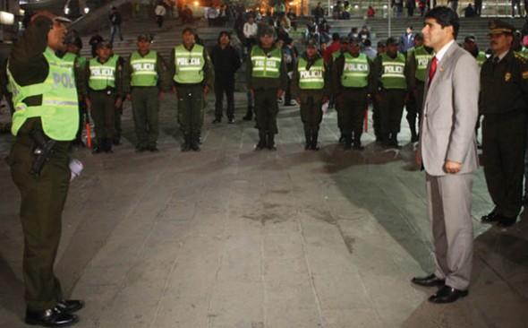 EXAUTORIDAD. Jorge Pérez, en un operativo de la Policía en La Paz cuando estaba al frente del ministro de Gobierno. - Agencia Bolivia de información ABI Agencia