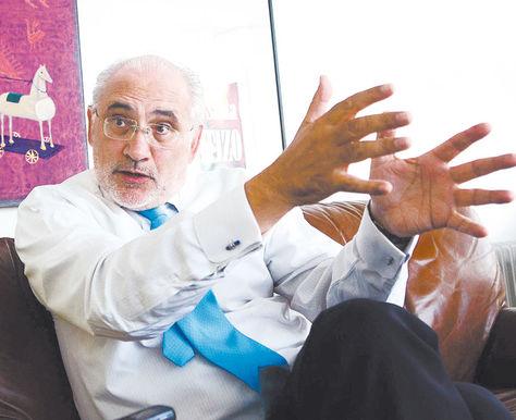Triunfo. Carlos D. Mesa, en la tarde del histórico 24 de septiembre de 2015, habla en su oficina de sus impresiones e interpretaciones tras la victoria jurídica boliviana en La Haya.