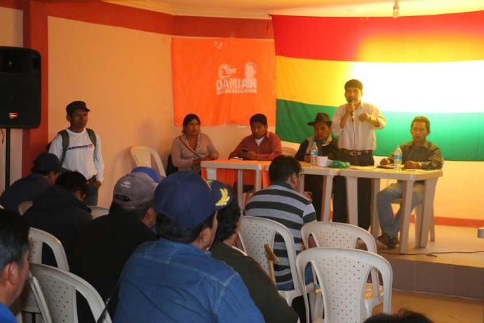 AMPLIADO. Damián Condori dirige el ampliado de CST, que tuvo lugar en Sucre.