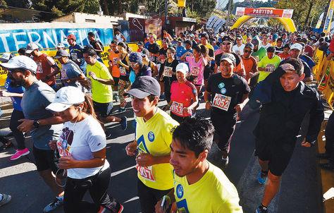 Mamani y Torrejón se imponen en carrera 10k.