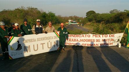 Obreros de Mutún en huelga, amenazan con realizar bloqueos