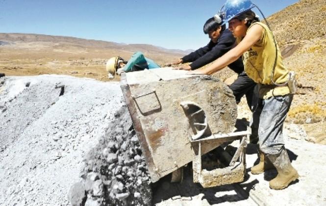 Siguen a la baja las exportaciones bolivianas de hidrocarburos y minerales