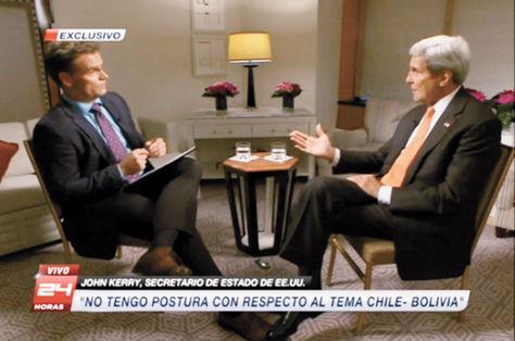 Entrevista. El secretario de Estado de EEUU, John Kerry (derecha), en la charla con TVN de Chile.