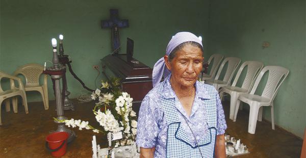 El cuerpo de Marcos Coria fue velado en su domicilio del barrio Urkupiña. Sus familiares exigen justicia