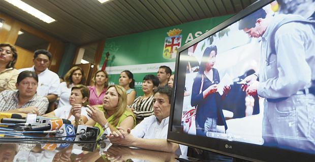 La presidenta de la Asamblea Legislativa denunció fines políticos detrás de la movilización