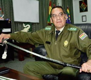 317 policías que egresaron  en 2014  patrullan sin armas