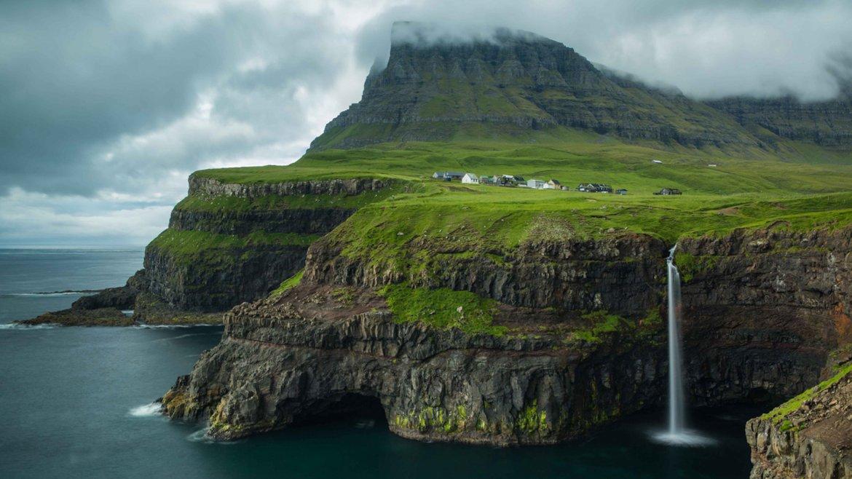 Islas Feroe, un pequeño archipiélago en el Atlántico Norte, entre Escocia, Noruega e Islandia