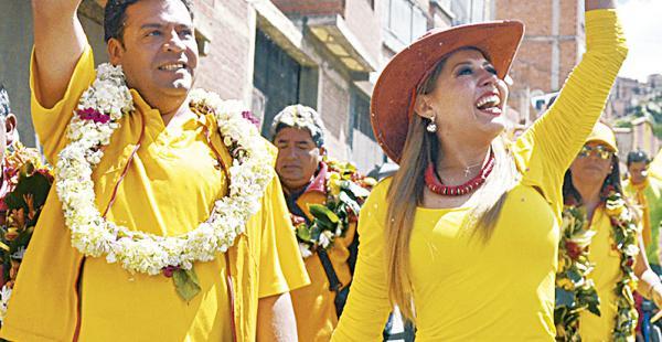 Maricruz Ribera dijo que apoya a su esposo, el alcaldeLuis Revilla