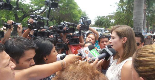 Valeria agradeció el apoyo en conferencia de prensa en el parque Urbano acompañada de la presidenta del Concejo