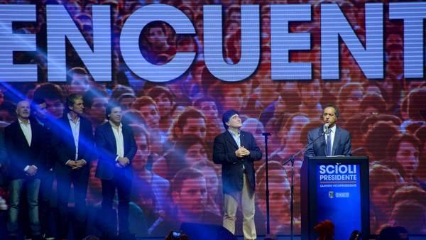 Daniel Scioli convocó a los indecisos y a los independientes de cara al Balotage. (Marcelo Carroll)